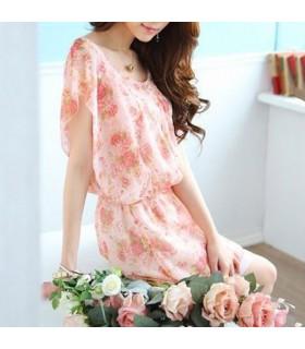 Robe à fleurs gracieuses