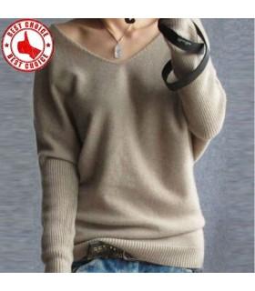 Le donne maglione di lana