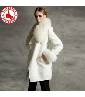 Bianco cappotto di pelliccia artificiale
